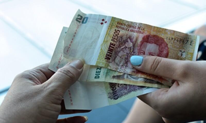Analistas apuntan que la inacción del Banco Central muestra su voluntad por no sacrificar más reservas. (Foto: Getty Images)