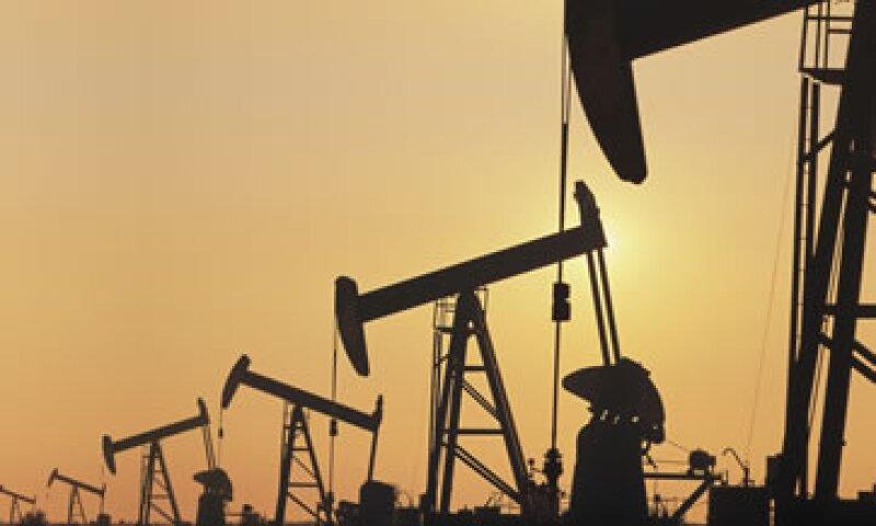 Los precios del petroleo aumentan con la amenza de Irán, pero otra guerra en Medio Oriente no es factible.  (Foto: Archivo)