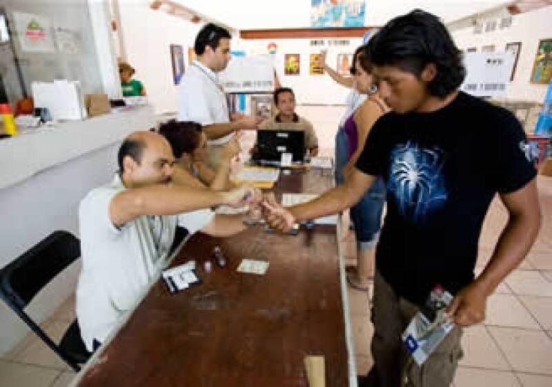El abstencionismo encareció el voto. (Foto: Notimex)