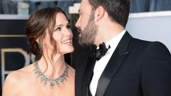 Después de 10 años de matrimonio, el actor y Jennifer Garner hicieron oficial su separación, decisión que parece le está costando mucho asimilar.