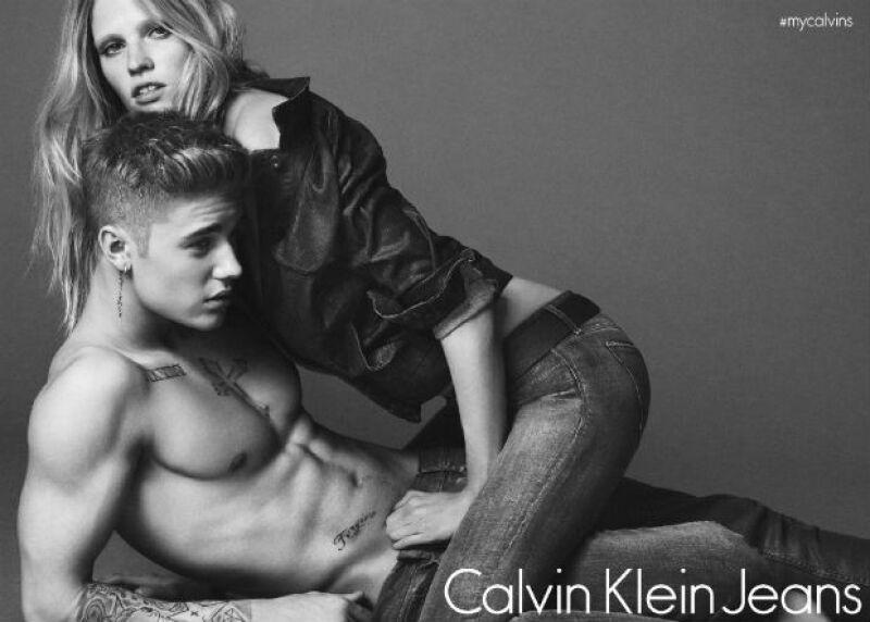 El cantante deja el micrófono para convertirse en modelo como parte de la nueva imagen de la marca para su colección de jeans y underwear para primavera 2015. A sus 20 años, luce un cuerpo de envidia.