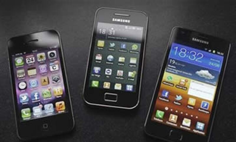 El 49% de los consumidores móviles dice que con frecuencia usa su smartphone mientras compra. (Foto: Reuters)