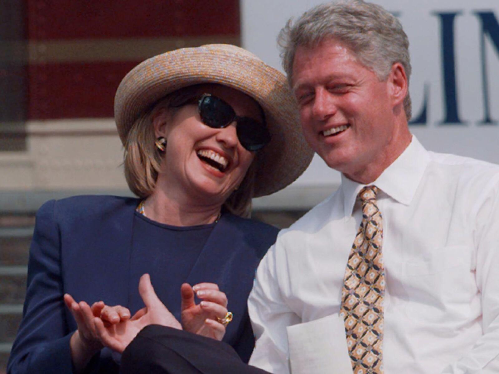 Podrán no ser monedita de oro, pero lo que es indudable es que Hillary y Bill Clinton han mantenido su poderío desde que estuvieran en la Casa Blanca. Tanto así que Hillary solita, obtiene el segundo puesto entre las mujeres con más poder.