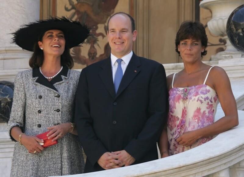 Carolina, Alberto y Estefanía de Mónaco no han sido los más afortunados en el amor.