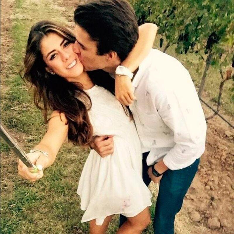 La pareja presume su romance en Instagram.