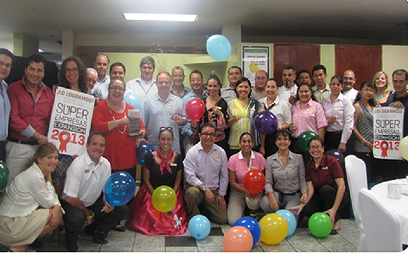 Hoteles Fairmont en México celebró su 3er lugar en la categoría de entre 500 y 3000. Realizaron una reunión para felicitar a todos los empleados por su esfuerzo.