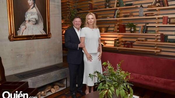 Los anfitriones: Jorge y Maricarmen Rámos