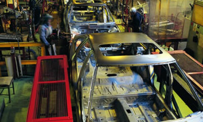 Brasil quiere limitar las importaciones de automóviles mexicanos a 1,400 mdd anuales. (Foto: Thinkstock)