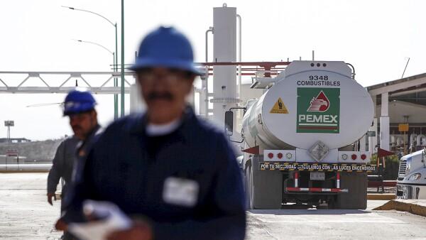 Funcionarios de EU pronostican un ahorro de 530 millones de barriles de petróleo y 50,000 mdd en costos de combustible. (Foto: Photos To Go)