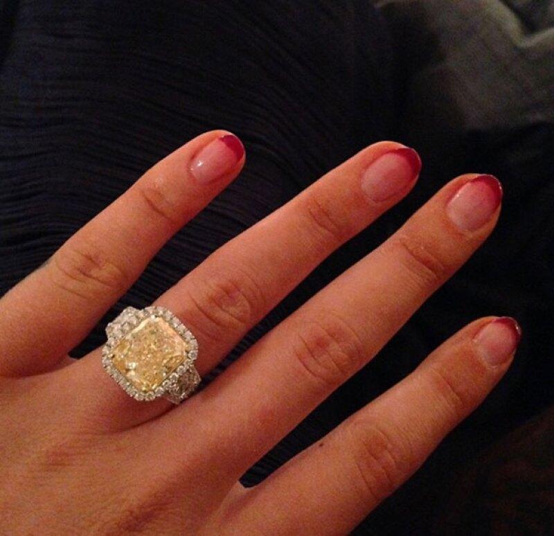 El anillo de 10.43 kilates tiene un valor de 500 mil dólares.