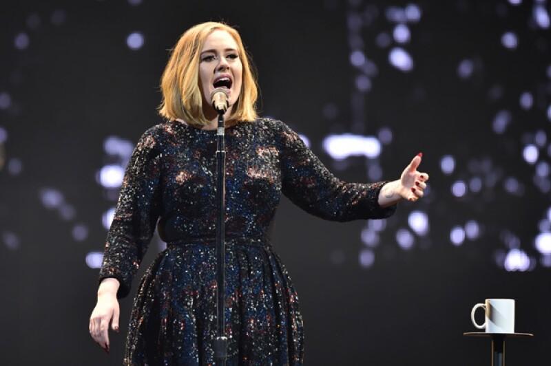 ¿Pucci, Armani o Gucci? Te contamos que diseñador viste a celebridades como Adele, Madonna o JLo en sus giras mundiales.