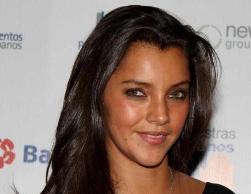La actriz considera que su personaje en `El Octavo Mandamiento´ es uno de los más importantes en su carrera; además disfrutó leer sobre temas actuales de México.