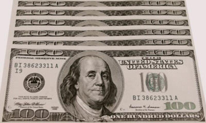 El precio más bajo del dólar a la compra es de 13.30 pesos. (Foto: Thinkstock)