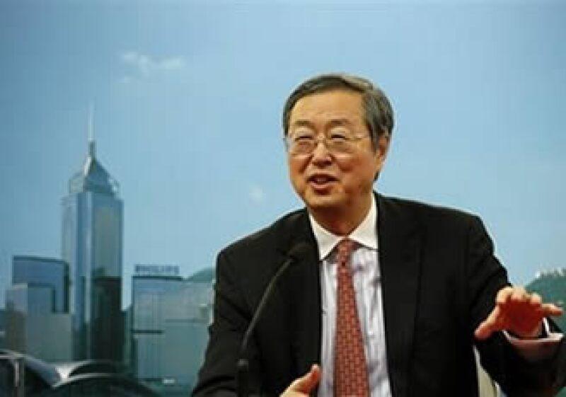 El gobernador del banco central, Zhou Xiaochuan dijo que China llegará a su meta de crecimiento económico en 2010. (Foto: AP)