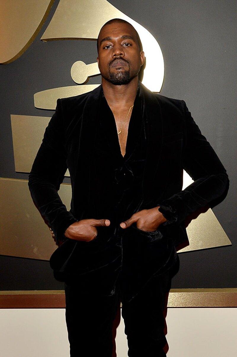Después de que varias celebridades opinaran sobre lo ocurrido en los premios, ahora Kanye tomó su turno para explicar todo, pero su respuesta no podría ser más extraña.
