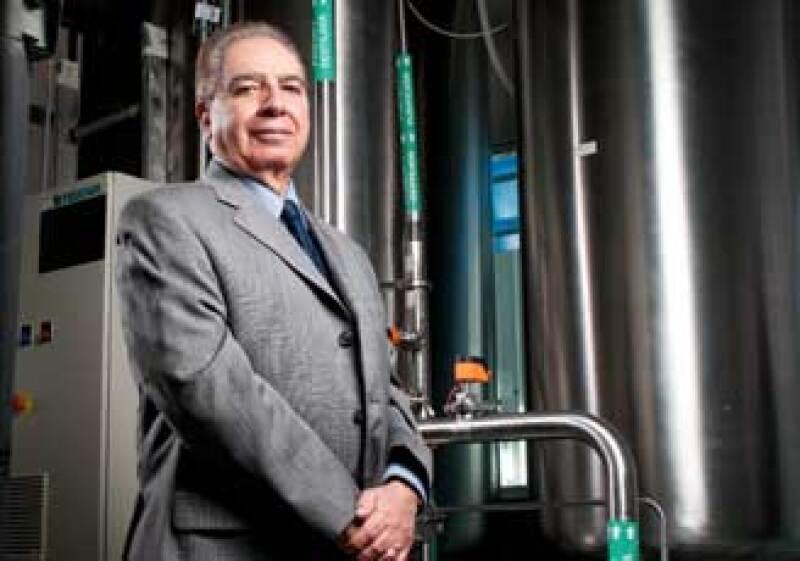 Guillermo García Aviña, asesor ejecutivo de la famaceutica Landsteiner Scientific, ganador del premio al manufacturero del año 2010 (Foto: Carlos Aranda)