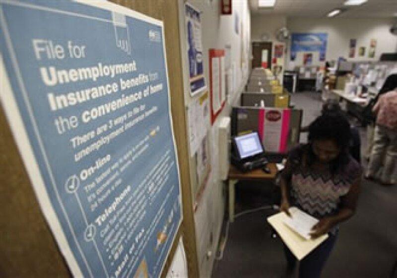 Economistas esperaban que la tasa de desempleo se mantuviera estable. (Foto: AP)