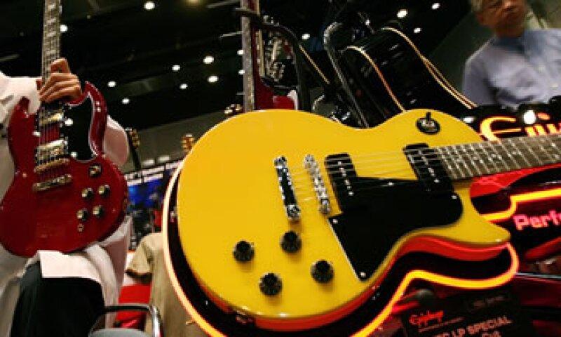 Gibson Guitar Corp usaba maderas exóticas que violaban leyes medioambientales.  (Foto: AP)