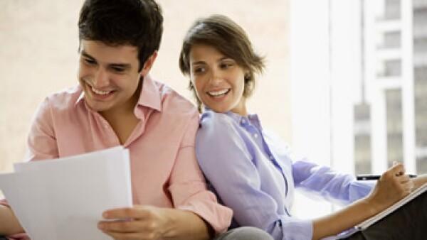 Tener en orden identificaciones, impuestos, pasaporte y pagos de servicios puede ser de gran utilidad. (Foto: Thinkstock)