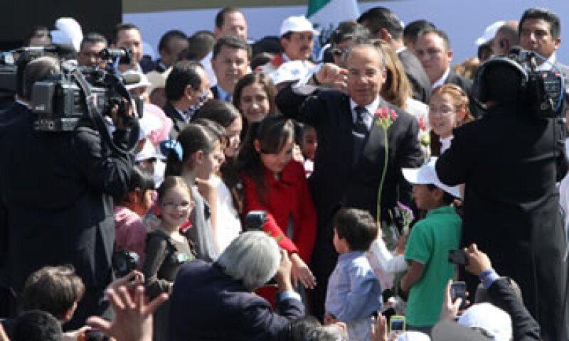 El presidente Calderón dijo que desde junio de 2009 a la fecha se han creado 1 millón 670,000 nuevos empleos. (Foto: Notimex)