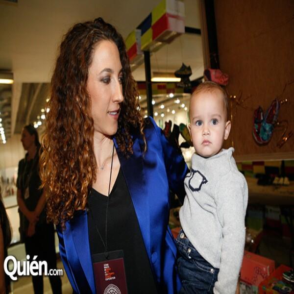 Carla Aparicio¡ y Andrés Braun en Zona Maco.