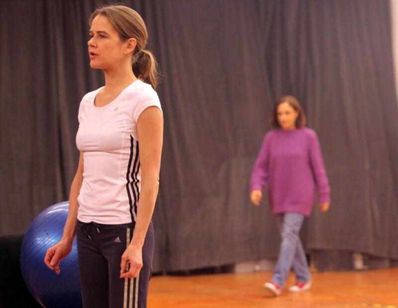 Nailea Norvind interpreta a una mujer optimista en Espejos.