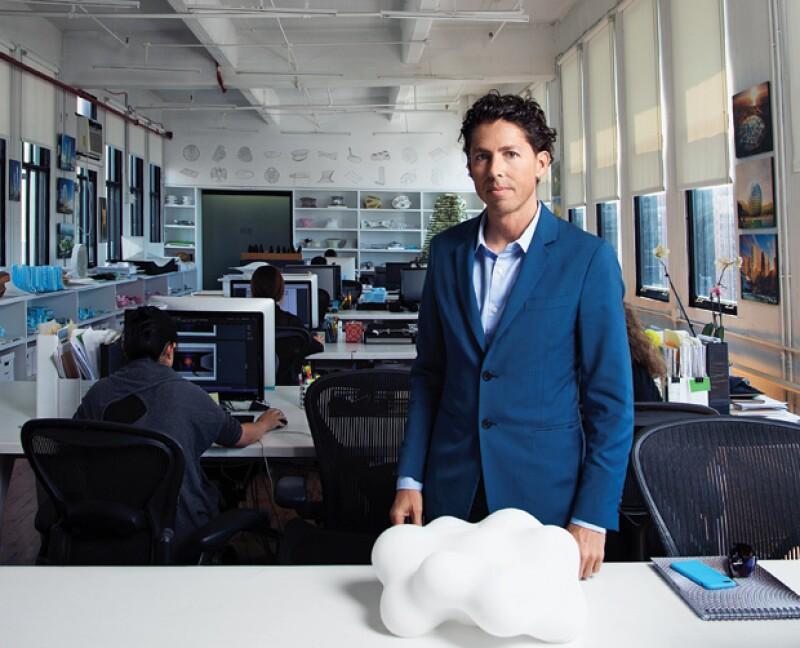 Desde la Gran Manzana, él y su equipo crean proyectos sacados de un cuento futurista. Orgullosamente mexicano es uno de los arquitectos más reconocidos.
