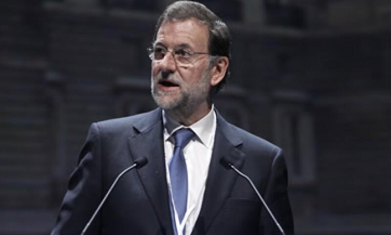La cifra exacta del déficit público se conocerá en la primavera boreal, por lo que Rajoy podría evitar anunciar dónde caerá el hacha hasta entonces. (Foto: AP)