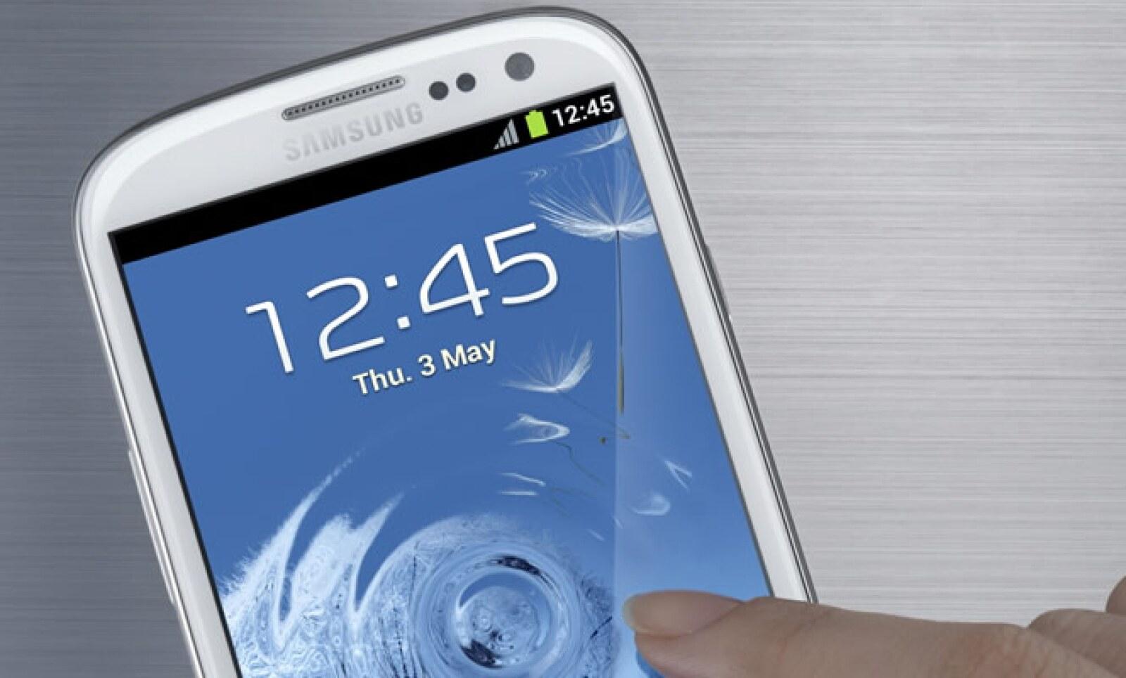 """""""Es nuestra mayor apuesta para lo que resta del año; es sin duda nuestro teléfono insignia dentro de la alta gama"""", dijo Borja de Checa gerente de mercadotecnia de Samsung."""