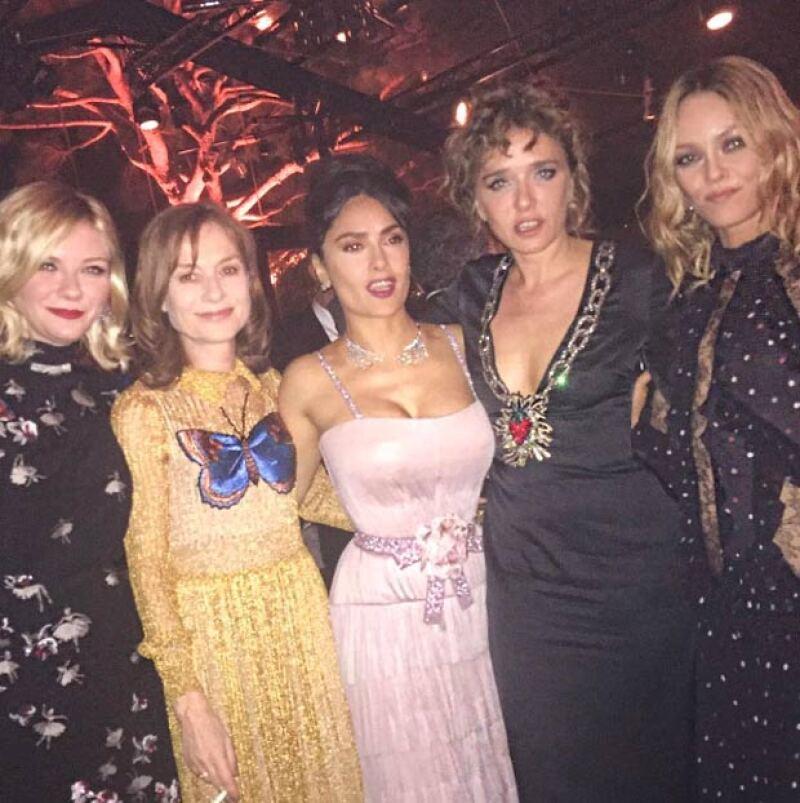 Y también con otras celebs internacionales, entre ellas Kirsten Dunst y Vanessa Paradis.