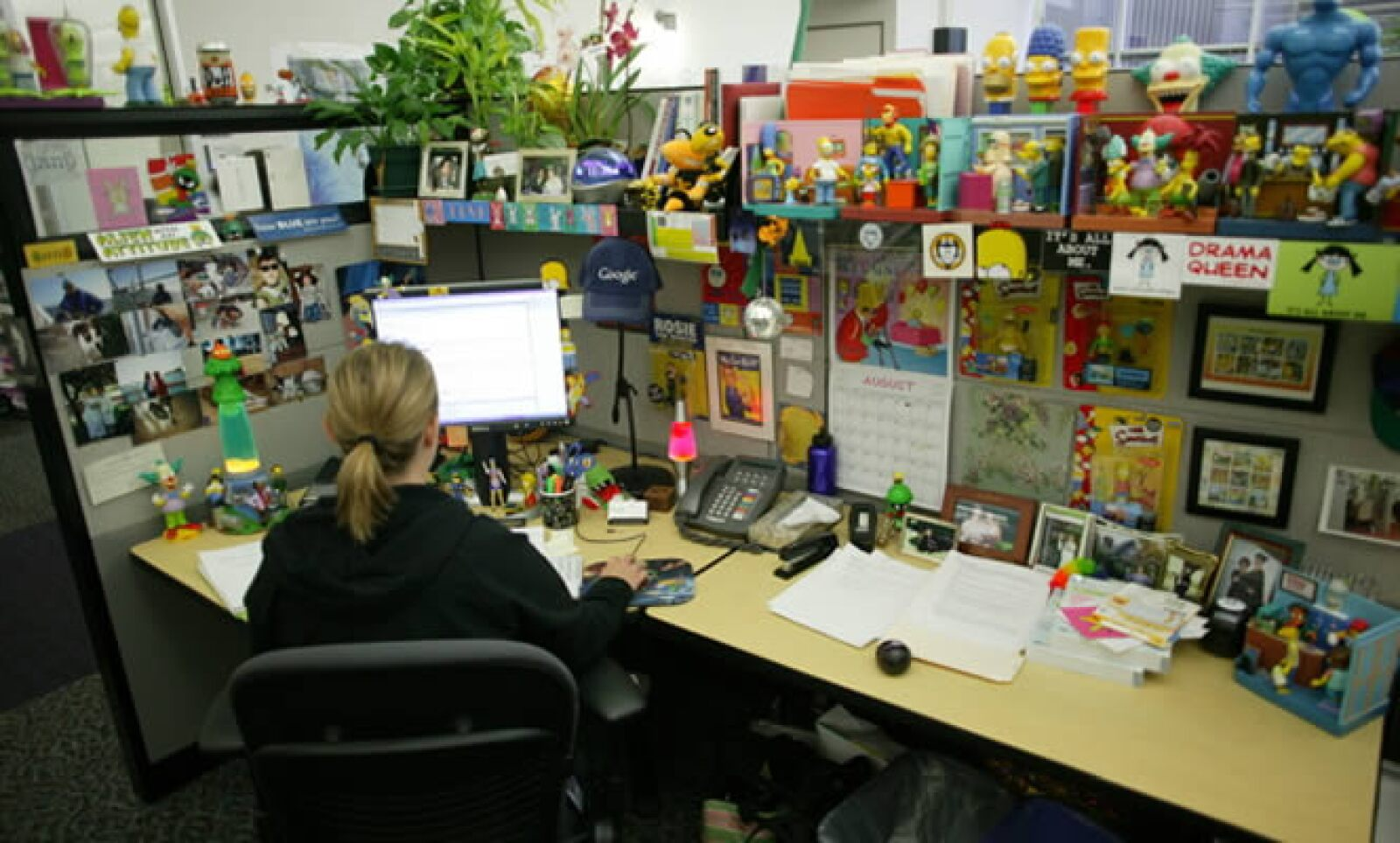 Una empleada de Google y su 'peculiar' cubículo.