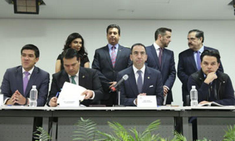 El senador Javier Lozano exigió al IFT cumplir el plazo establecido para la portabilidad. (Foto: Cuartoscuro )