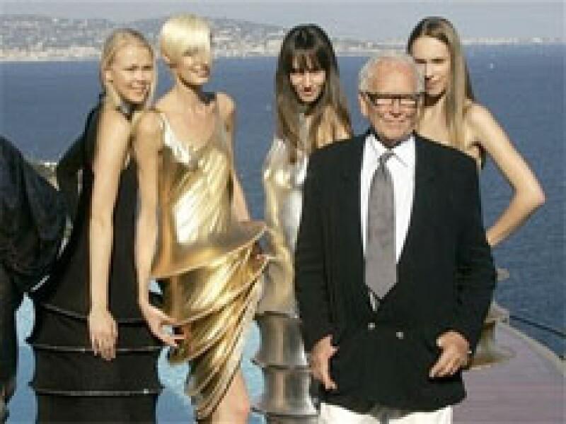 El diseñador de modas francés se encuentra hospitalizado por causa de un desmayo. (Foto: AP)