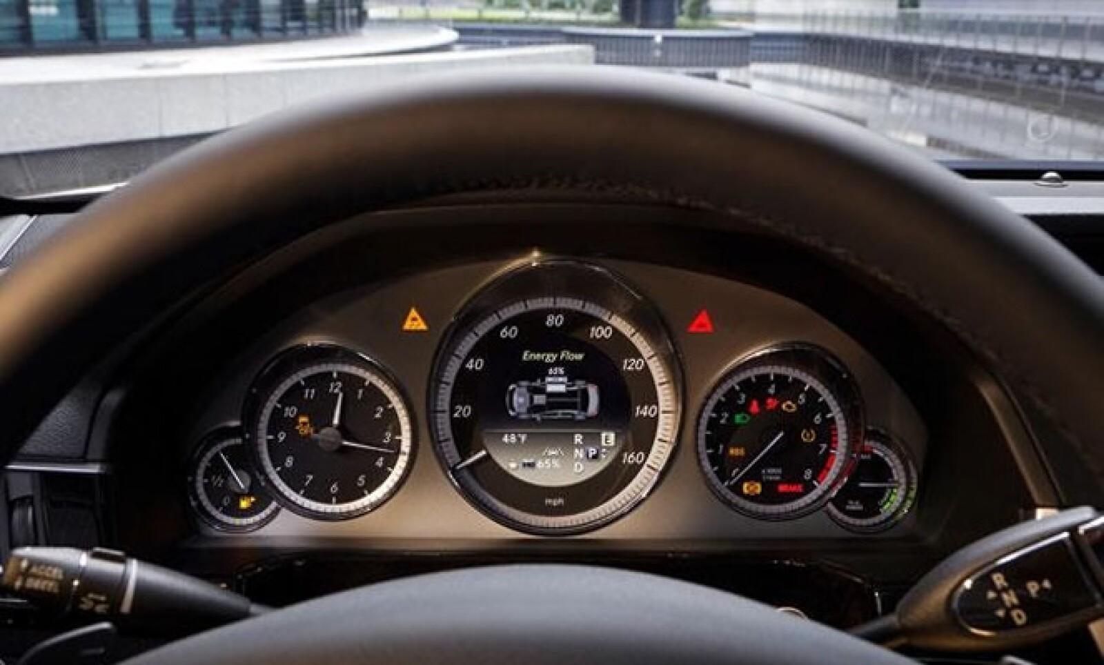 A pesar de que no fueron revalidas las prestaciones, se informó que el consumo mixto del motor es de 4.2 litros por cada 100  kilómetros recorridos. Sus emisiones de dióxido de carbono son de 109 g/km.