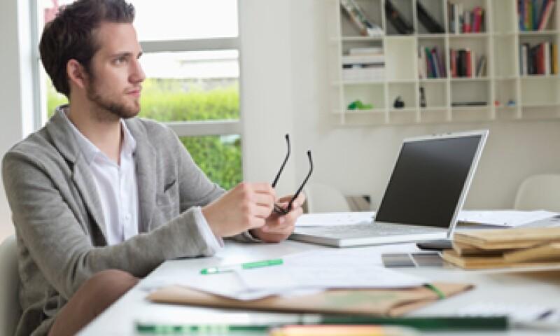 La flexibilidad de horarios y el ahorro de tiempo están entre los principales beneficios del trabajo en casa. (Foto: Getty Images)
