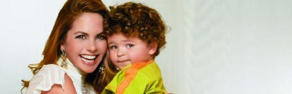 Lucero posó para la revista Quién junto con su hijo José Manuel, aquí de cuatro años, en 2004, para darnos la noticia de su nuevo embarazo.