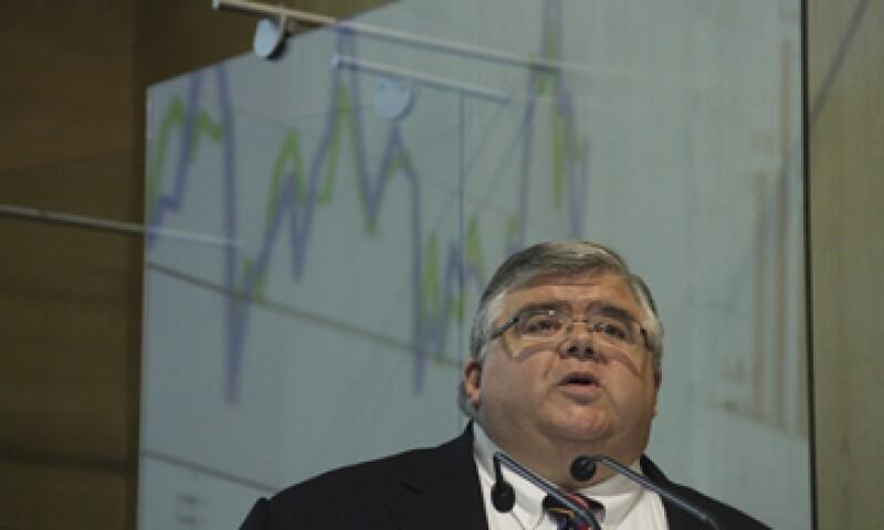 Banxico dijo que el débil crecimiento de la economía en el último trimestre de 2013 persistió en los primeros tres meses de 2014. (Foto: Cuartoscuro)