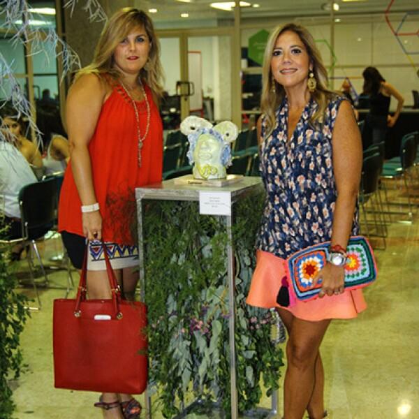 Valeria Gómez Collado y Paola Altamirano.