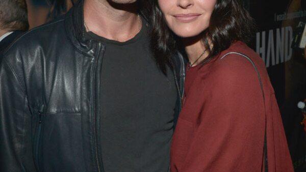 La protagonista de 'Friends' puso punto final a su relación con el guitarrista de la banda escocesa Snow Patrol, después de seis meses de noviazgo y 17 de compromiso.