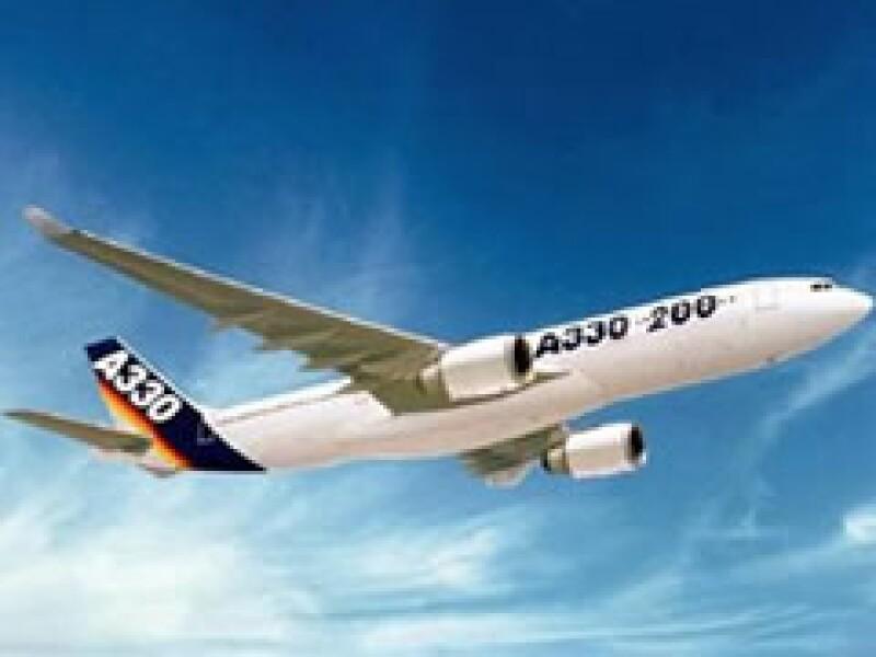 Un sindicato de Air France aconsejó a sus pilotos que no vuelen en modelos Airbus que no cuenten con nuevos sensores de velocidad. (Foto: Reuters)