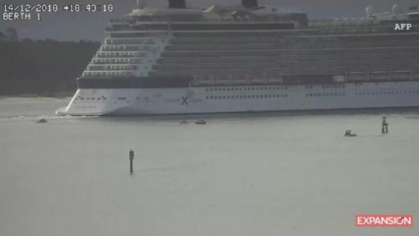crucero esquiva bote