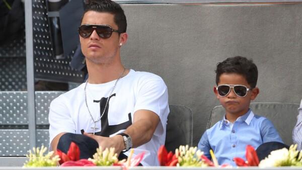El jugador del Real Madrid compartió un conmovedor video en el que lo vemos ejercitarse junto a su primogénito.