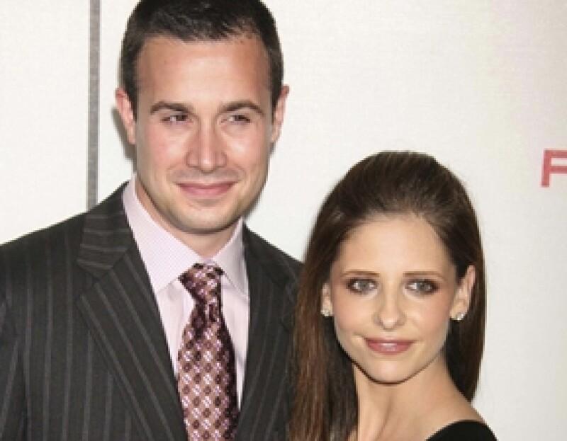 Fuentes cercanas a la pareja aseguraron a la revista People que la actriz de la serie Ringer y su esposo, Freddie Prinze Jr., esperan su segundo hijo.