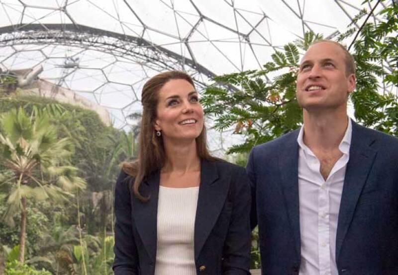 Kate y Will viajarán a Sicilia y próximamente a Canadá, donde estarán acompañados de sus dos hijos, el príncipe George y la princesa Charlotte.