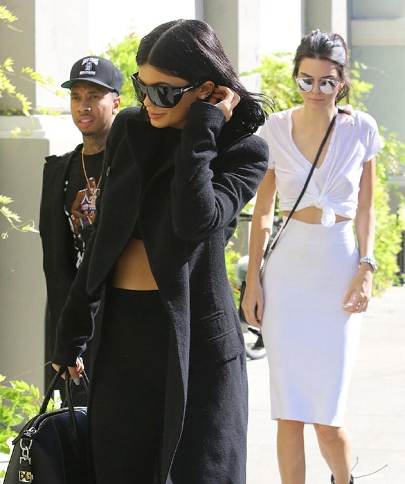 Kylie, Kendall y Tyga fueron captados a su llegada a la fiesta de Kim.