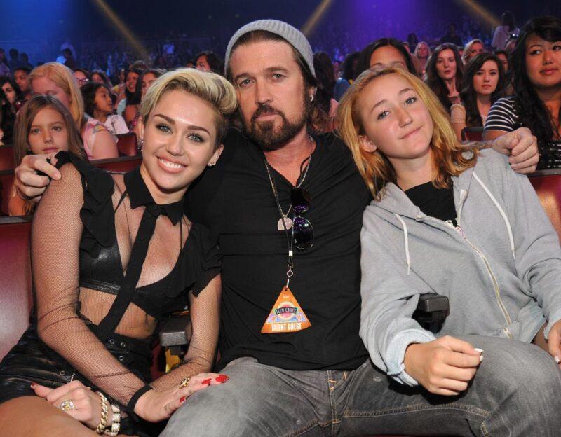 Miley y Noah Cyrus