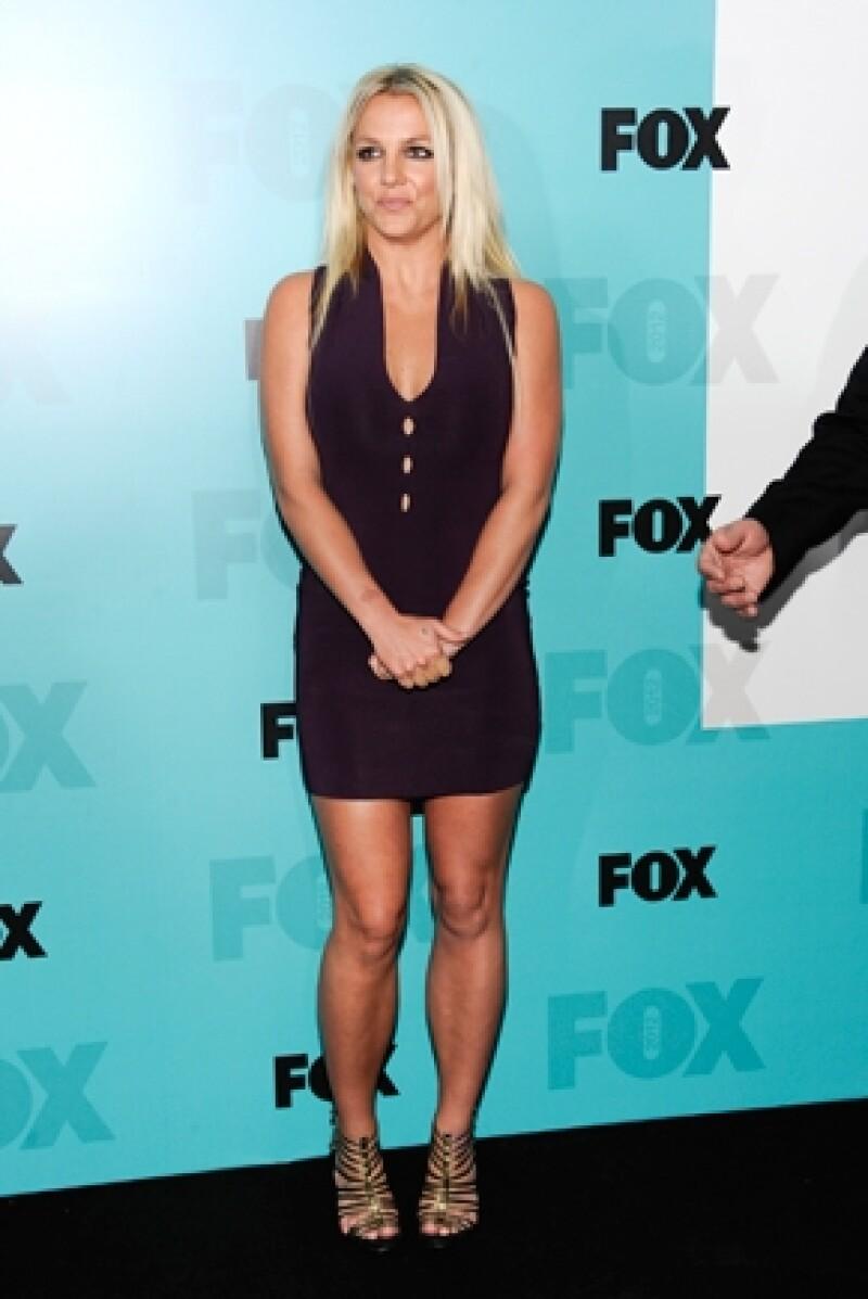 Spears fue duramente juzgada por la forma en que pintó sus uñas, su vestimenta, figura y piernas, esto luego de confirmar su participación en `X Factor´.