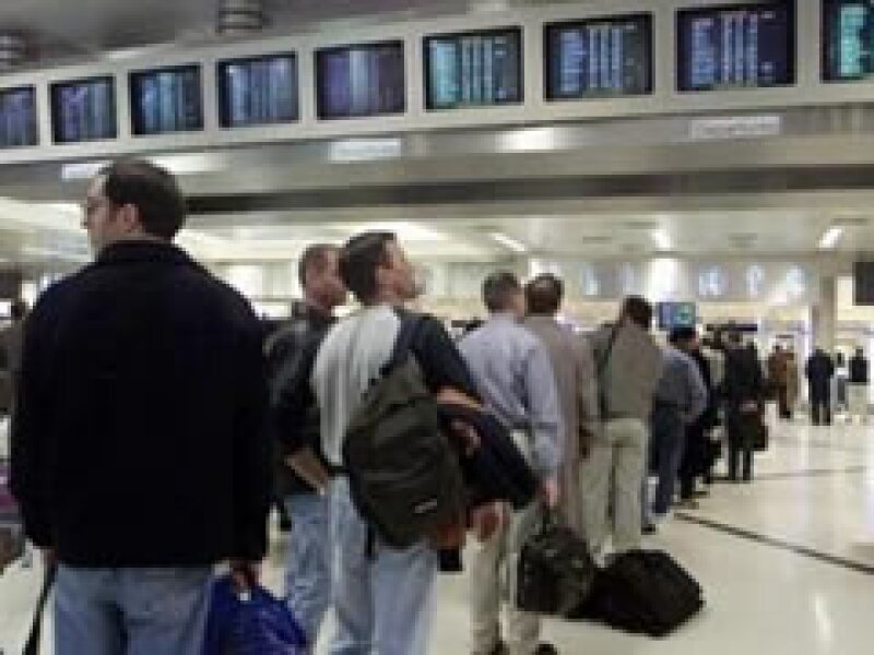 El gobierno de EU instará a sus ciudadanos de abstenerse a viajar a México si no es necesario. (Foto: Archivo)