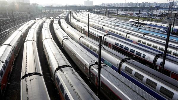 La huelga en Francia le ha costado 400 millones de euros a la compañía ferroviaria estatal.