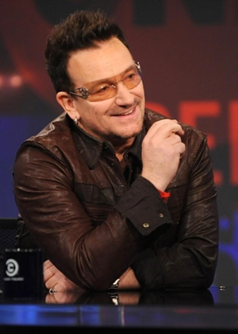 El vocalista de U2 recibirá este mes la insignia en reconocimiento por su labor en nuestro país.